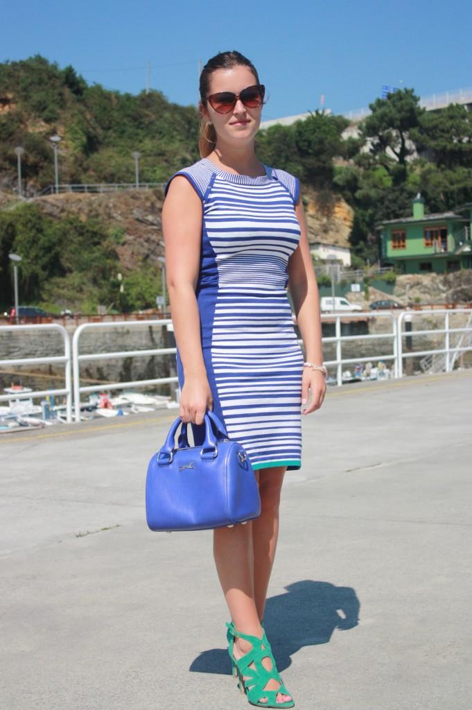 vestido rayas sandalias turquesa