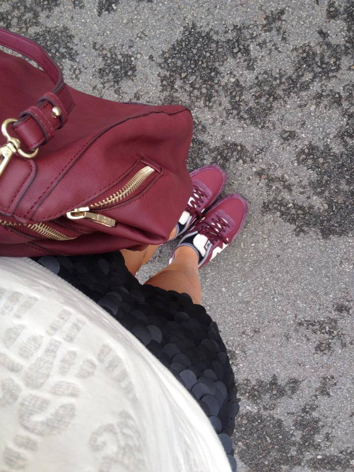 detalles new balance falda cuero
